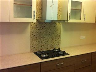 Skylink Suites Bed & Breakfast New Delhi and NCR - Kitchenette