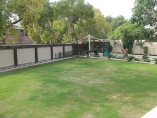 Hotel in India | Palm Spring A Boutique Hotel New Delhi and NCR - Garden