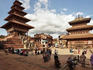 Khwapa Chhen Restaurant and Guest House Bhaktapur - Surrounding Taumadi Square