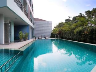 Natalie Resort Phuket - Swimming pool