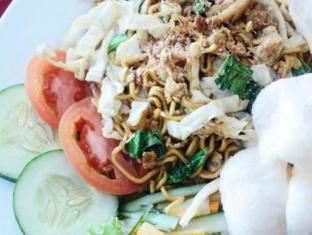 Bekizaar Hotel Surabaya - Food and Beverages