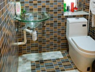 Hong Kong Hotel Accommodation Cheap | Hong Kong Hostel Hong Kong - Bathroom