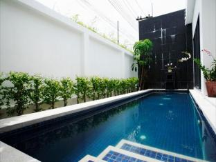 The Space Villa Phuket - Uima-allas