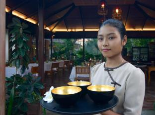 Blue Bird Hotel Bagan - Smile