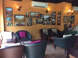 The Centrino Serviced Residence Surat Thani - Café