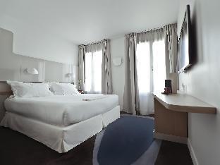 Hotel Le Marcel guestroom junior suite