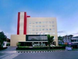 Grand Zuri Padang Hotel