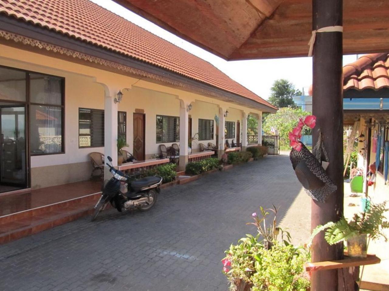 บางเบิดเบย์ บีช รีสอร์ท (Bang Boet Bay Beach Resort)