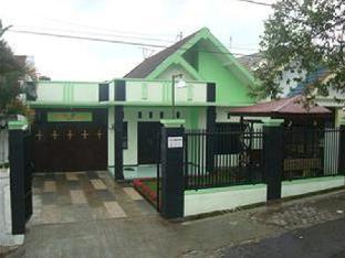 Villa Keluarga 'Pondok Daun'