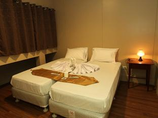 Hotel Damar Emas House 14 - Jalan Raya Padonan, Gang Pondok Asri no. 99X, Canggu - Bali