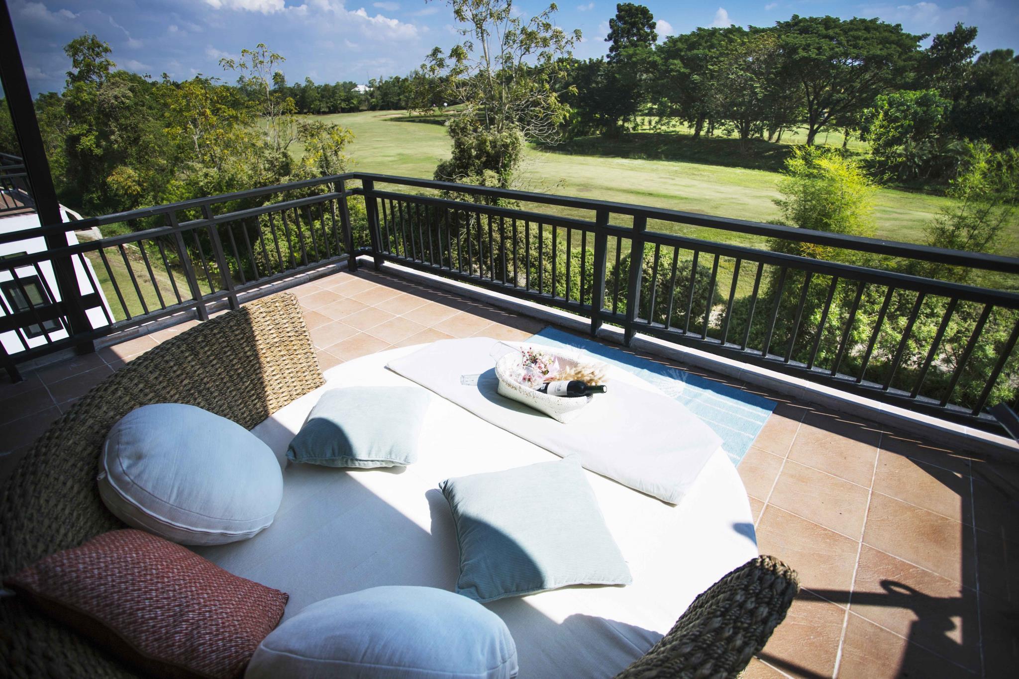 golf view villa11