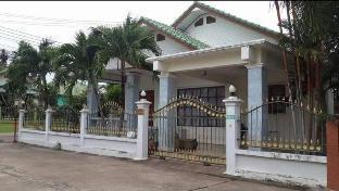 %name SATHAHIP NAVY HOUSE Village พัทยา