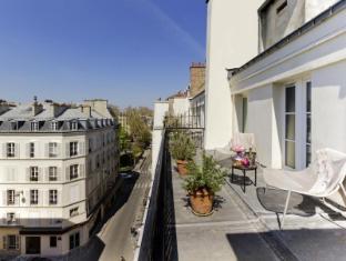 Mercure Paris Royal Madeleine Hotel Paris - Balcony/Terrace