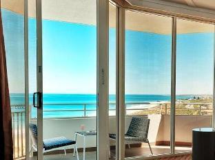 Deluxe Room King Ocean View