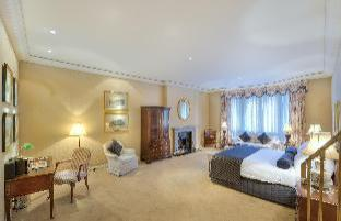 Sir Stamford At Circular Quay Hotel guestroom junior suite