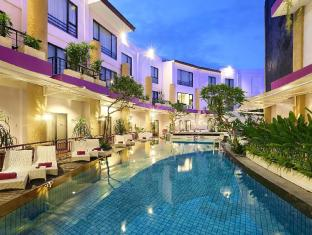 Kuta Central Park Hotel Bali - Swimming Pool
