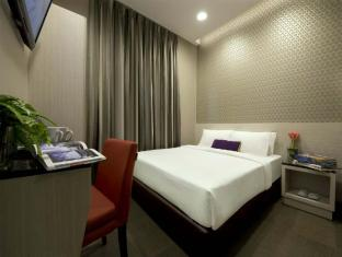 V Hotel Bencoolen Singapore - Superior Double or Premier Room