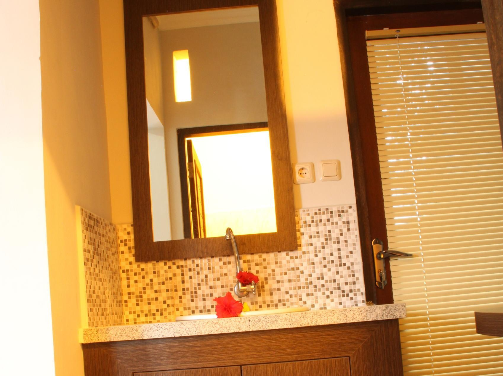 Aya's Rooms Hotel