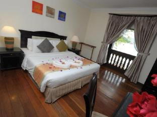 Sibu Island Resort Mersing - Serindit Suite - King Bed