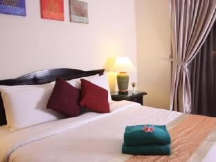 Sibu Island Resort Mersing - Deluxe Room - King Bed