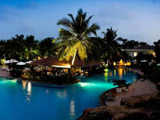 The Zuri White Sands, Goa Resort & Casino South Goa - Swimming Pool