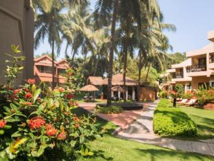 Whispering Palms Beach Resort North Goa - Skats