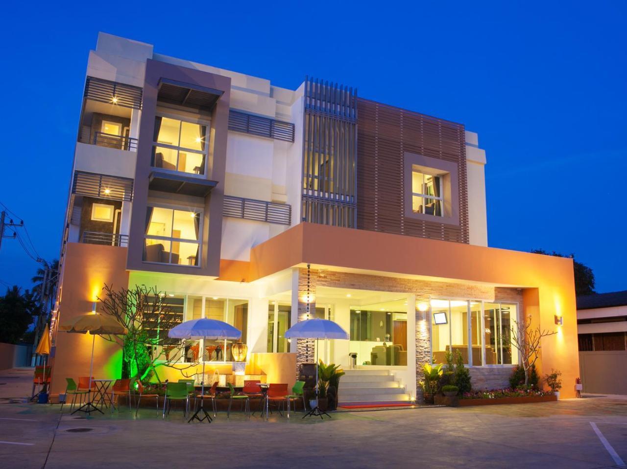โรงแรมลา เบล (La Belle Hotel)