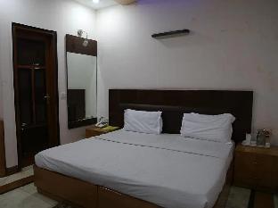 FabHotel Nagpal Palace Patel Nagar