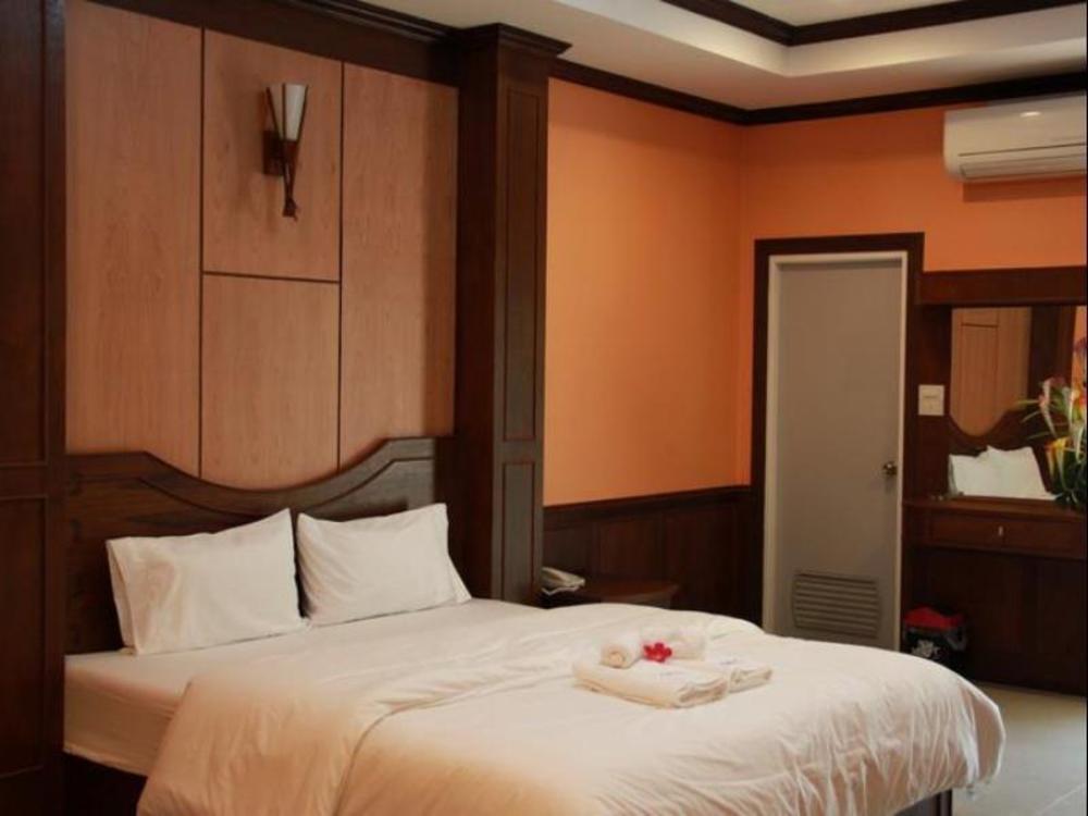The Muk Lagoon hotel