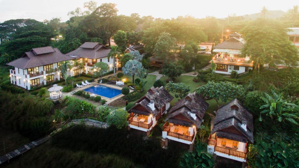 Gin's Maekhong View Resort and Spa