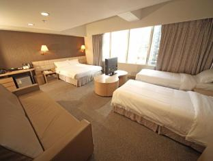 H1 Hotel Hong Kong - Super Deluxe Family room (1 Queen & 2 Twin)