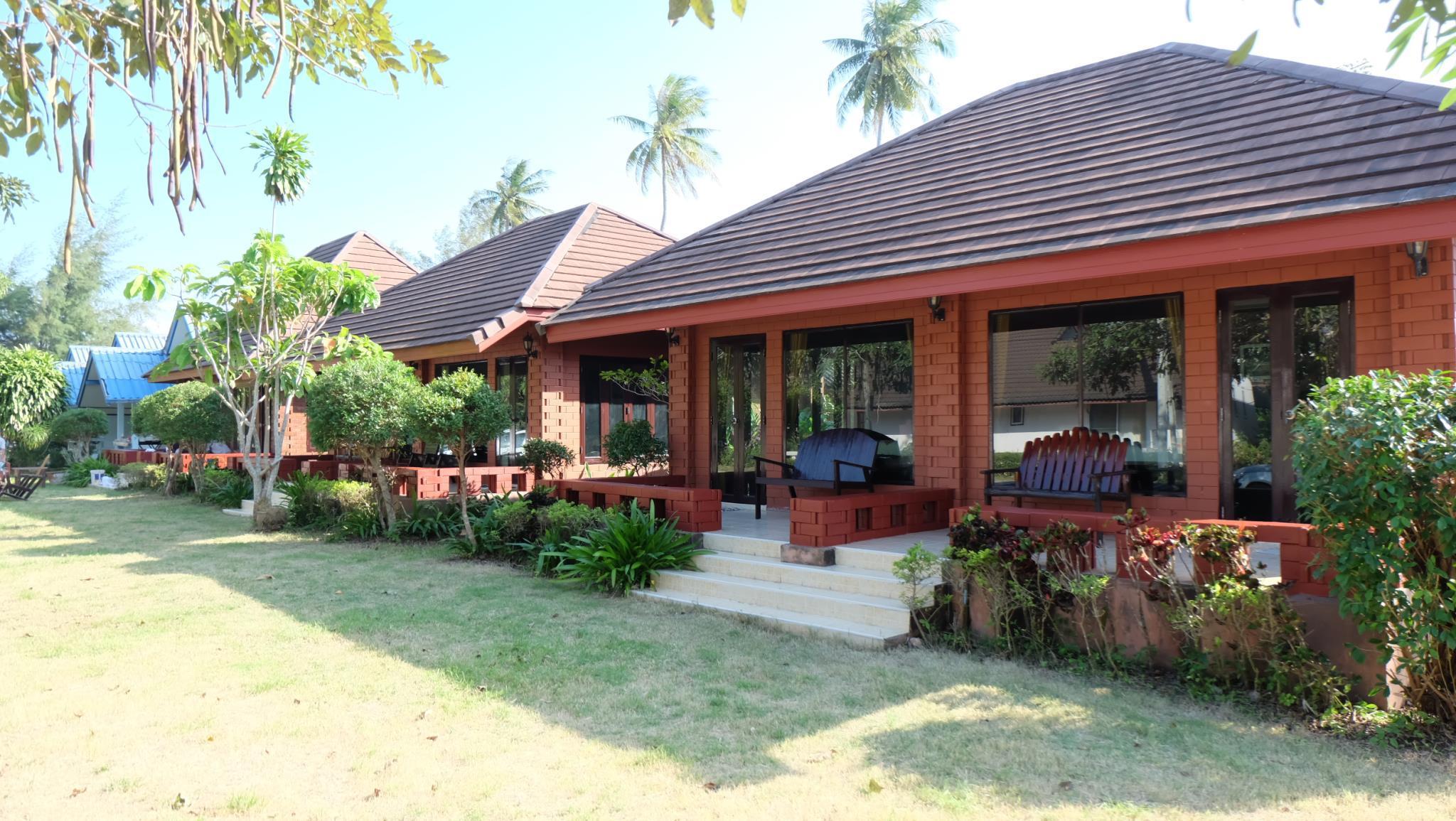 Suan Luang Beach Resort,Suan Luang Beach Resort