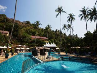 All Seasons Naiharn Phuket Hotel פוקט - בריכת שחיה