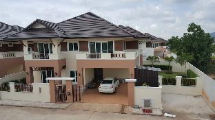 Brand New House for rent 300m2.