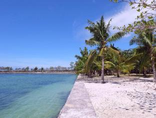 Cordova Reef Village Resort Mactan Island - Beach