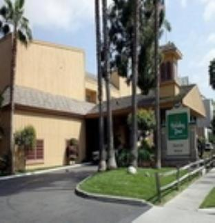 view of Holiday Inn Hotel & Suites Anaheim