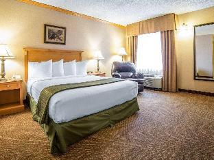 Front view of Quality Inn & Suites Casper near Event Center