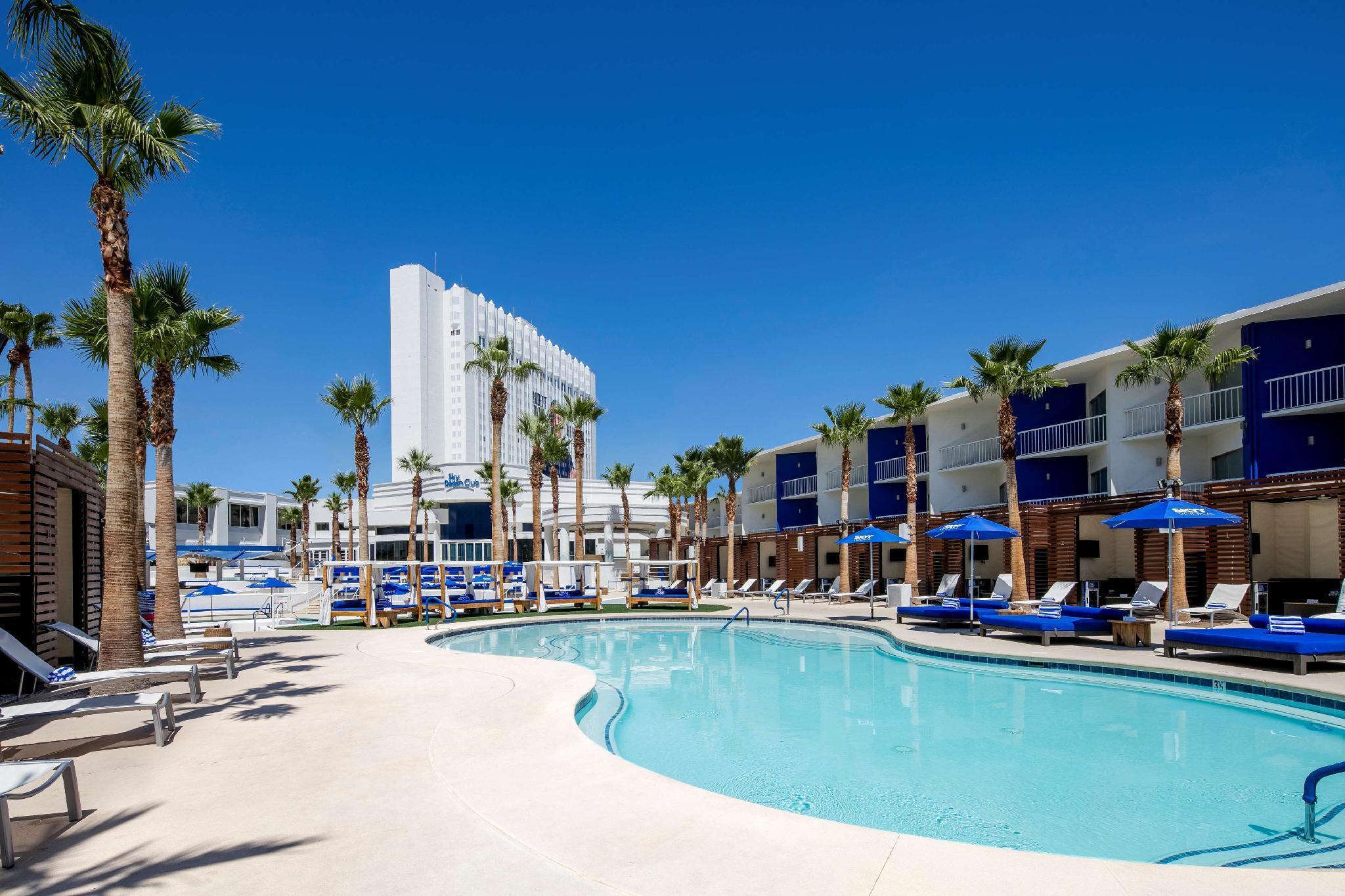 Tropicana Las Vegas - a DoubleTree by Hilton Hotel image