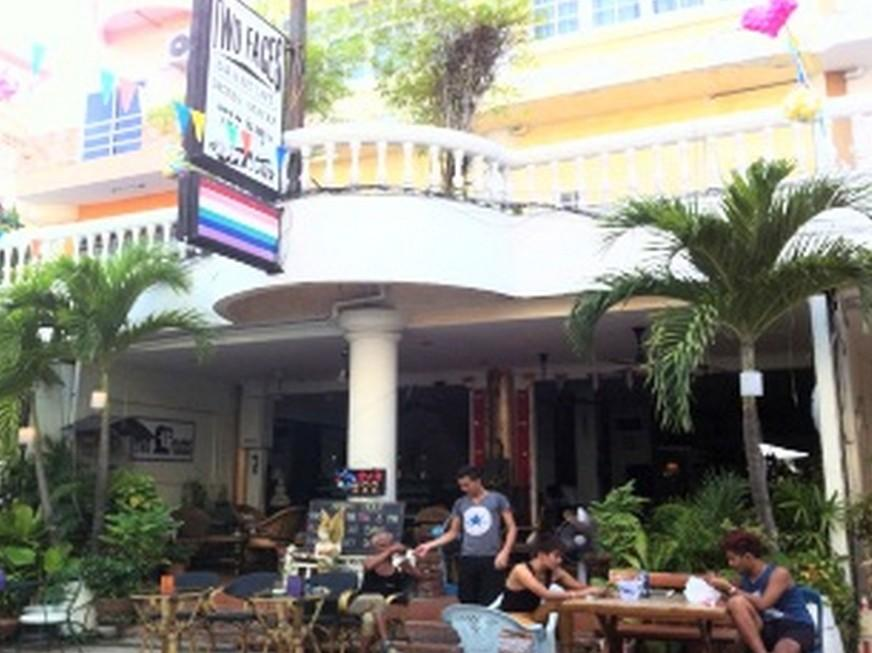 Hotel Murah di Pantai Dong Tarn Pattaya - Two Faces Room for Rent Guesthouse
