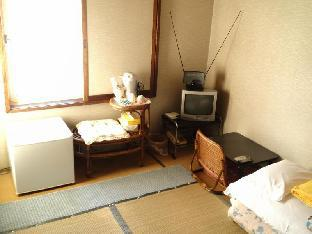 Japanese-Style Single with Shared Bathroom - Smoking