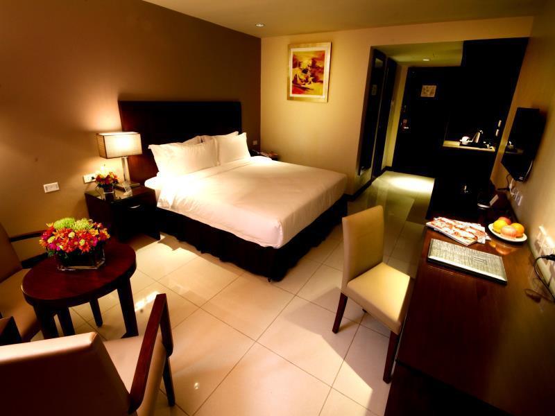 マンダリン プラザ ホテル (Mandarin Plaza Hotel)