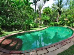 Baan Mai Cottages and Restaurant Phuket - bazen