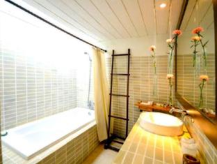 Iyara Beach Hotel & Plaza Samui - Superior Bathroom