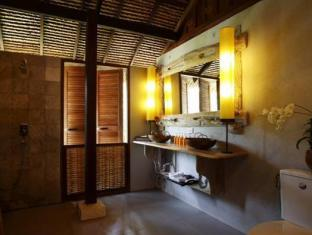 Koyao Island Resort Phuket - Sea Breeze Studio Bathroom