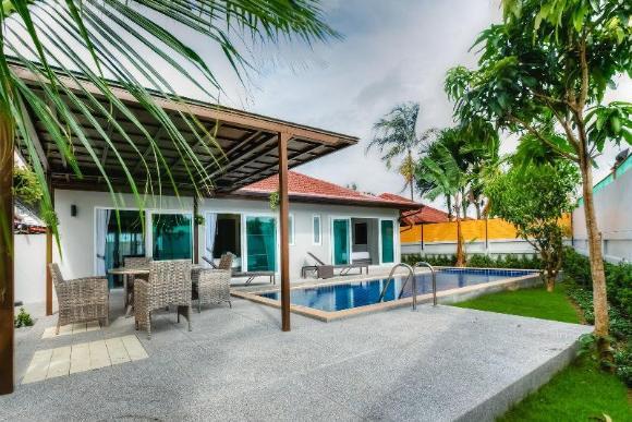 Brand New 3BD Pool villa in Bangtao