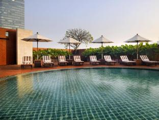 lebua at State Tower Bangkok - Swimming Pool