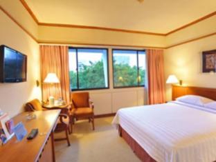 Elmi Hotel Surabaya - Pokój gościnny