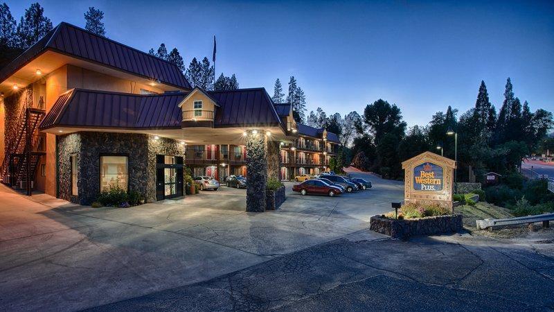 Best Western Plus Yosemite Way Station Motel image