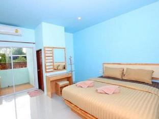 Lub D Resort guestroom junior suite