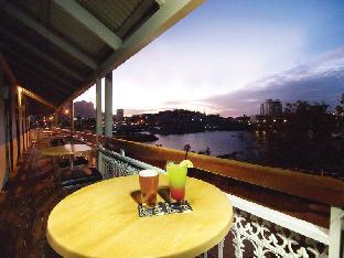 ➦  Oaks Hotels & Resorts    customer rating